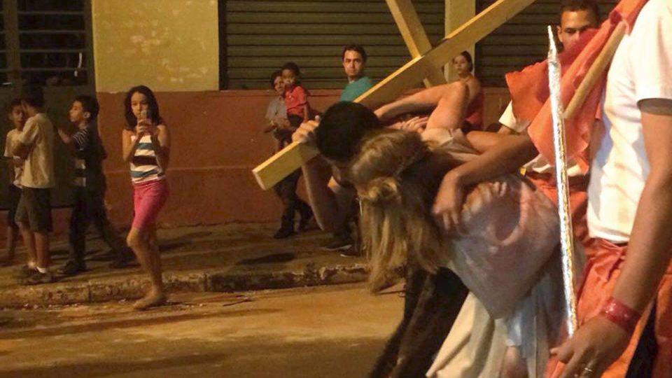 Semana Santa em Trabiju volta a ter encenação da Via Sacra