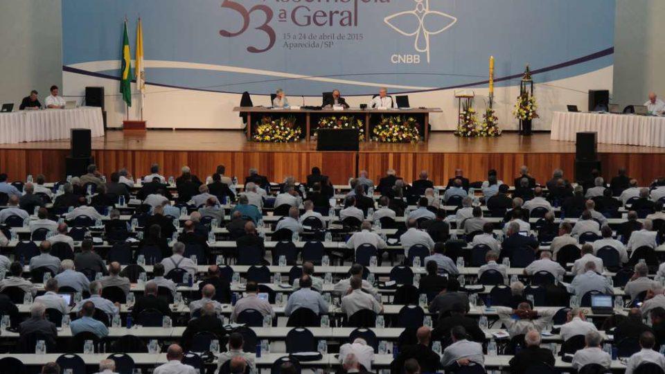 Bispos participam da homenagem aos 50 anos de encerramento do Concílio Vaticano II