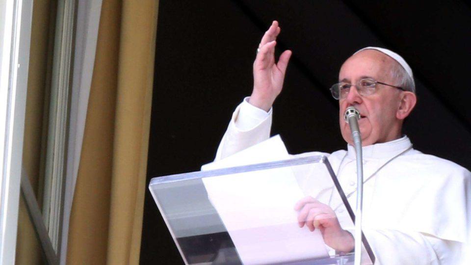 Ângelus: Papa explica parábola de Jesus sobre a videira e os ramos