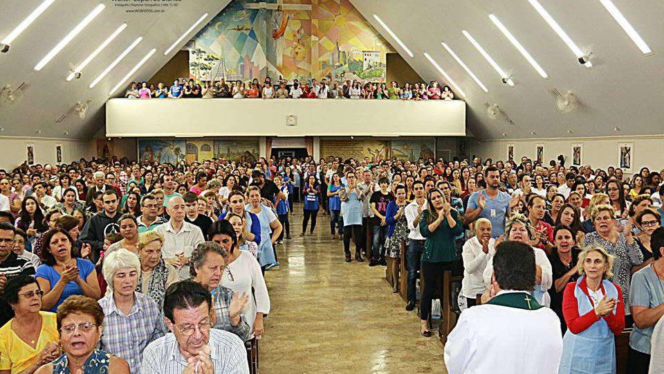 """Aconteceu: """"Missa das bênçãos"""" com o Padre José Antônio em São Carlos"""