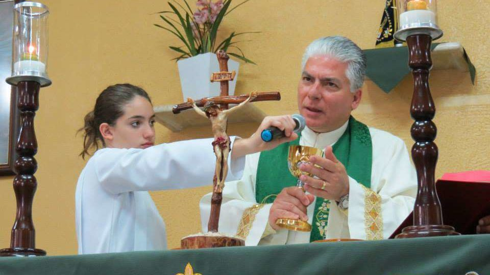 Câmara de Ibaté concede título de cidadão ao Padre Carlos Alberto