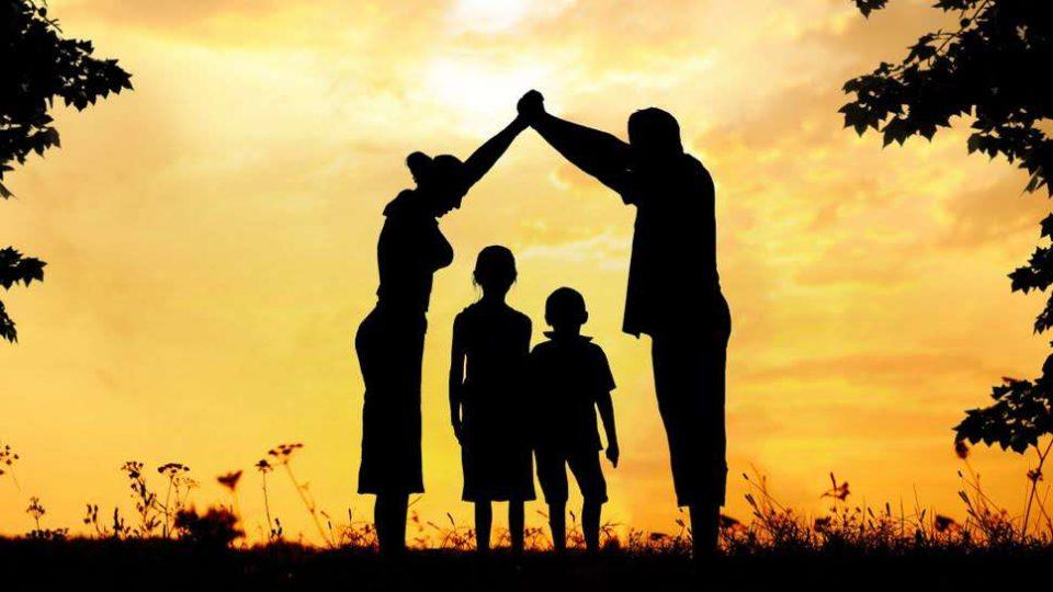 Família, tocha acesa