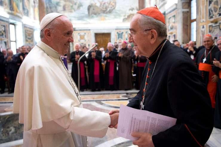 """Papa Francisco: """"A porta de entrada da Igreja é o batismo e não a ordenação sacerdotal ou episcopal"""""""
