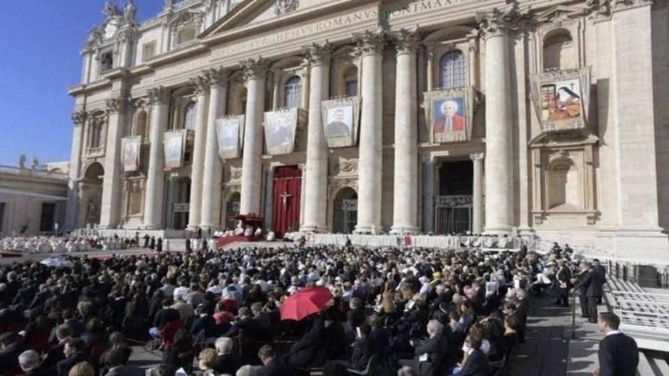 Papa Francisco canonizou sete novos santos: mártires e próximos dos pobres
