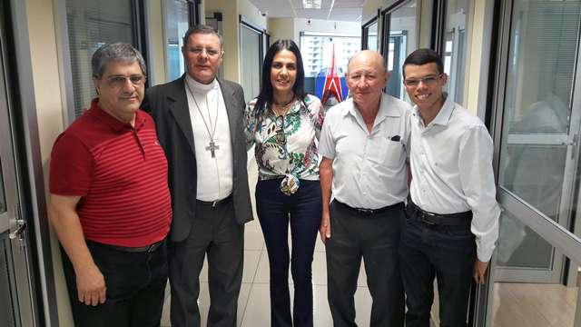 Dom Paulo visita Sistema Clube de Comunicação