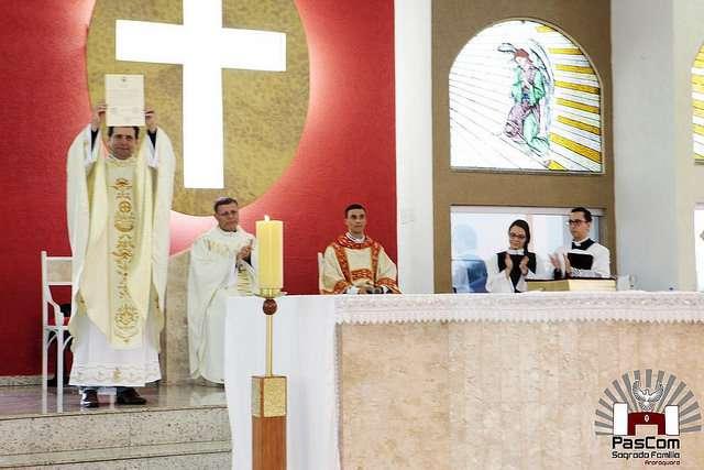 Paróquia Sagrada Família recebe Padre Renato Gonçalves