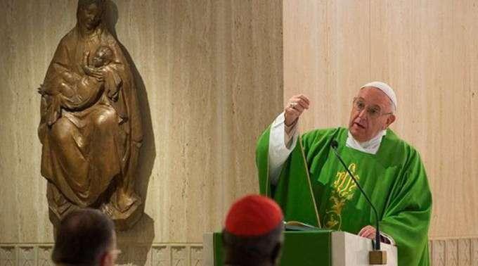 Papa condena o escândalo da vida dupla: Vão à Missa, mas não vivem como cristãos