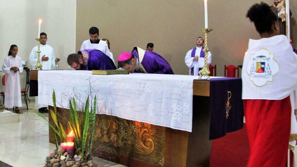 Padre Ricardo assume Paróquia Santo Antônio de Pádua em Gavião Peixoto