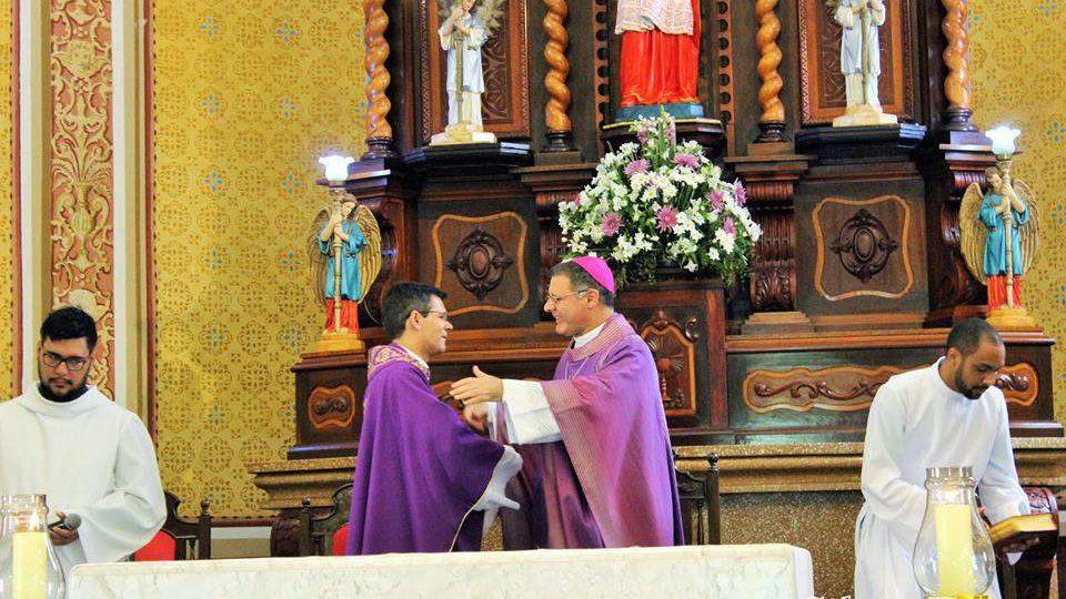Missa solene marca a posse do novo Reitor do Santuário de Adoração São Pio X  em São Carlos