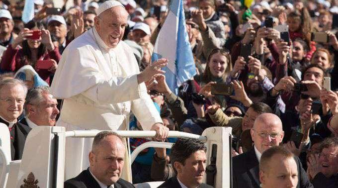 """Papa Francisco: """"Que nosso amor não seja uma telenovela, não sejamos impostores"""""""
