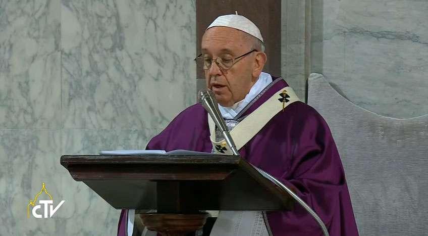 Papa explica que o verdadeiro jejum é se reconhecer pecador
