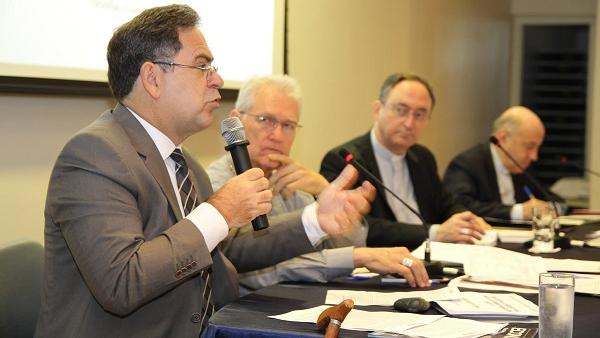 Conselho Permanente da CNBB discute crise econômica do país