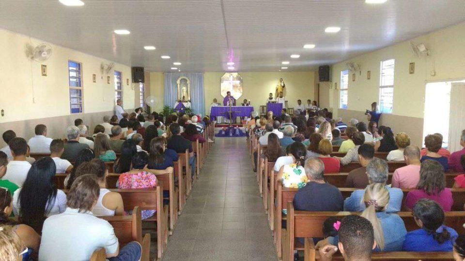 Bispo visita pela primeira vez a Paróquia Nossa Senhora do Vale