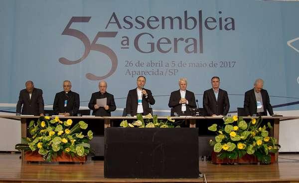 """Dom Sergio: """"que o povo brasileiro tenha vida neste tempo tão desafiador de crise política e econômica"""""""