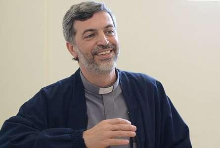 Papa nomeia padre brasileiro como secretário para o Dicastério para os Leigos, a Família e a Vida