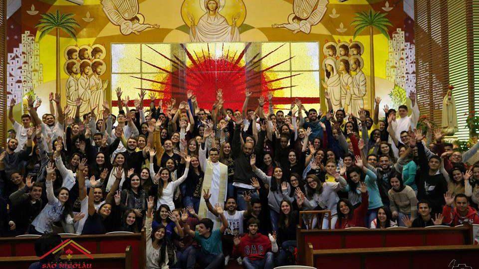 Jovens participaram do Cenáculo da Juventude