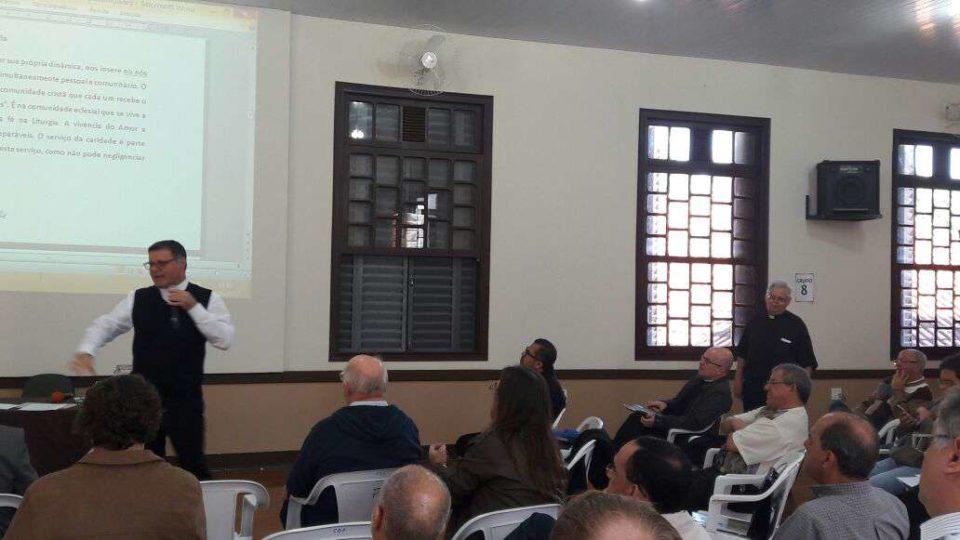 Dom Paulo fala ao Clero da Diocese de São Carlos sobre a Conversão Pastoral