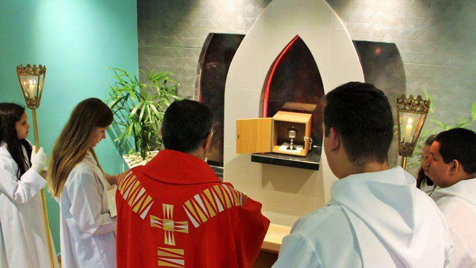 Dom Paulo inaugura Capela do Santíssimo da Comunidade Nossa Senhora de Lourdes em Araraquara
