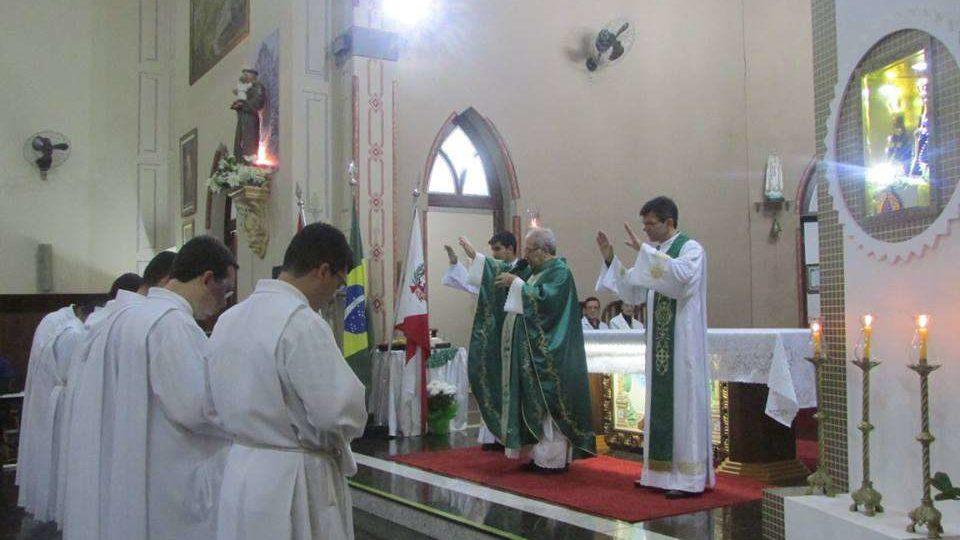 Seminaristas fazem missões em Itapuí durante as férias