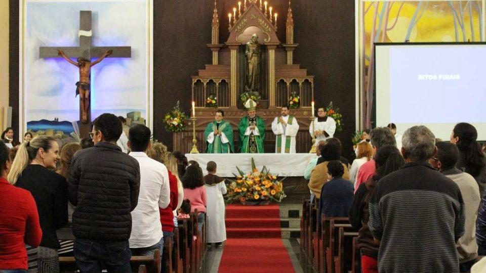 Dom Paulo Cezar preside missa festiva na Matriz de São Francisco de Assis em Brotas