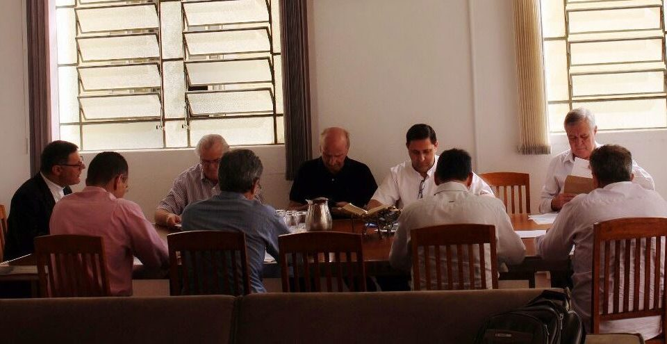 Dom Paulo Cezar se reúne com Conselho Econômico