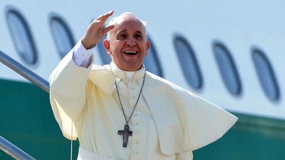 Esporte ajuda a superar as diferenças, diz Papa a atletas