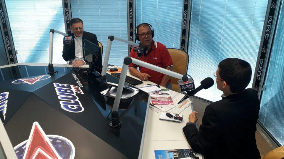 Dom Paulo Cezar concede entrevista ao Programa Carlinhos Lima