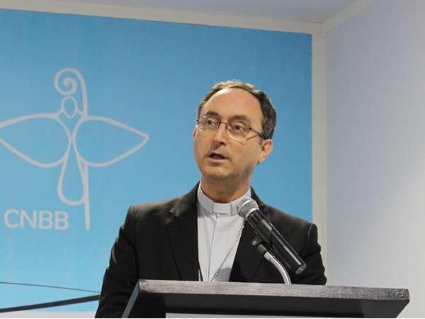 Para presidente da CNBB, não se pode responder intolerância com intolerância