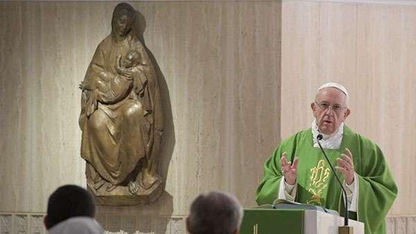 Mergulhar no mistério de Cristo com o coração, pede Papa