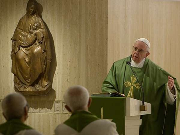 Quem reencontra as próprias raízes é uma pessoa da alegria, diz Papa