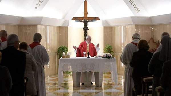 Papa alerta sobre a insensatez que conduz à corrupção
