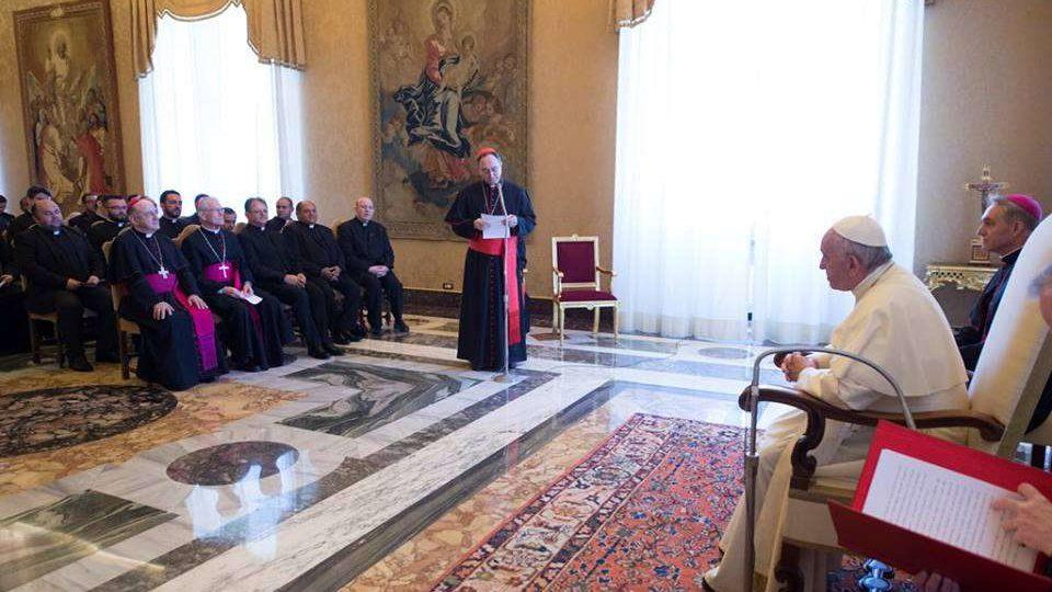 Papa Francisco recebeu estudantes e direção do Colégio Pio Brasileiro, no Vaticano