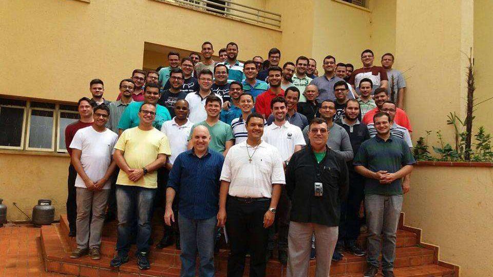 Seminaristas de Filosofia visitam Casa de Formação São Carlos Borromeu