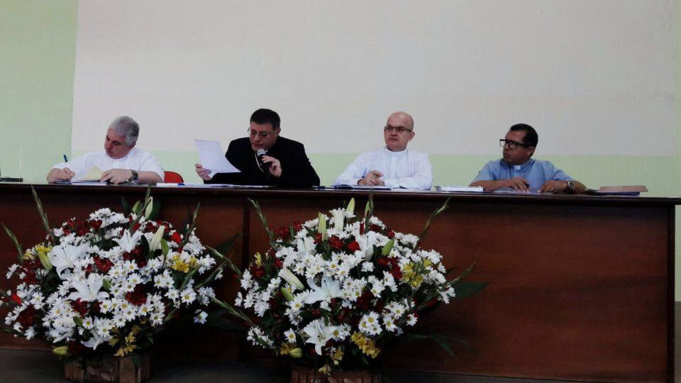 """""""Quero paróquias renovadas"""" – pediu Bispo na Reunião Geral do Clero"""