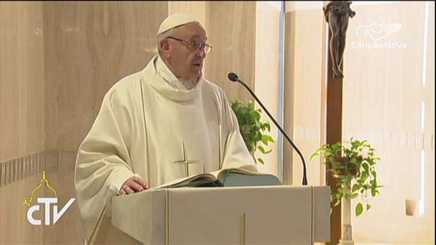 Papa: escândalos ferem e matam corações e esperanças