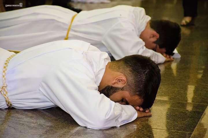 Diocese de São Carlos: Jonas e Paulo São ordenados Diáconos Transitórios
