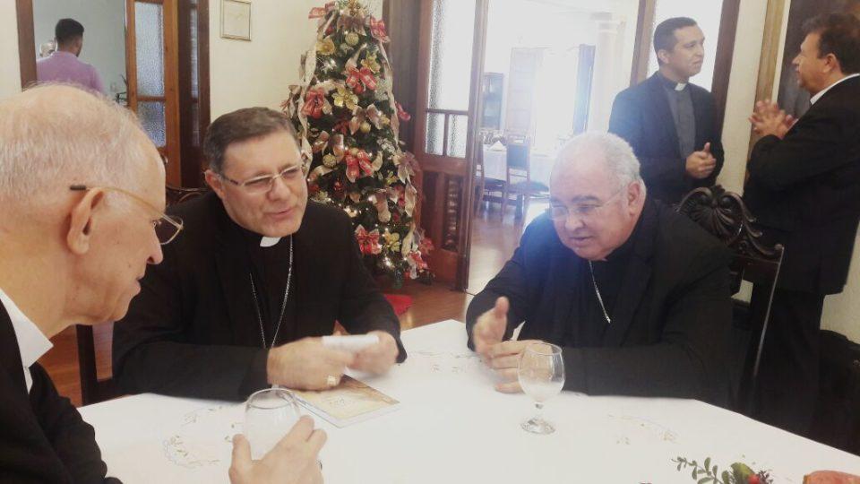 Cardeal chega em São Carlos para celebração festiva