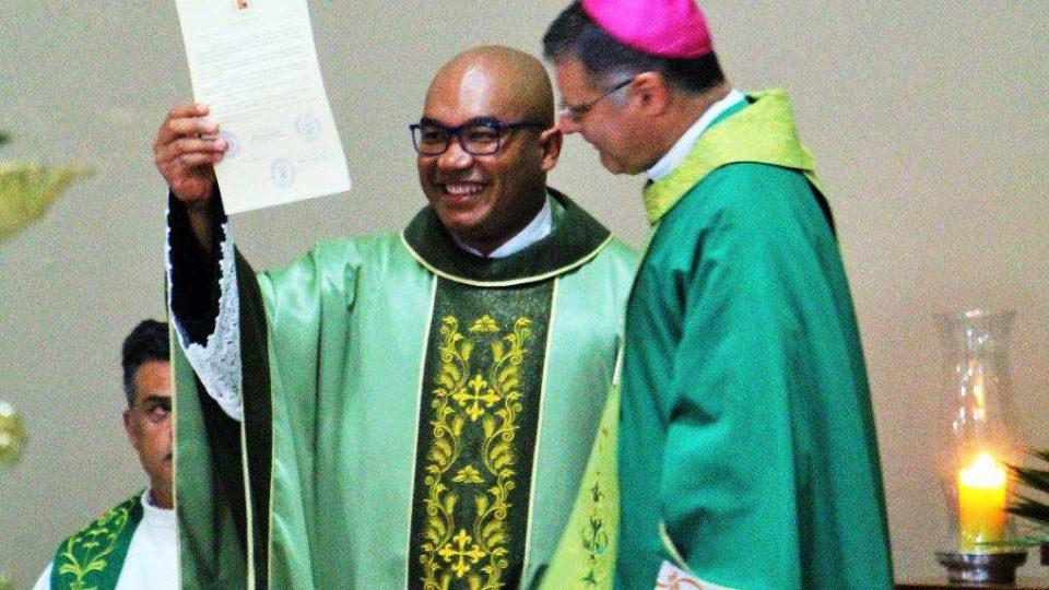 Padre Daniel Antonio assume a Paróquia Santo Antônio em Gavião Peixoto
