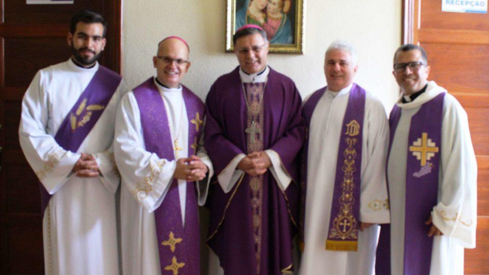 Dom Paulo Cezar preside Eucaristia na Capela Episcopal Nossa Senhora das Graças