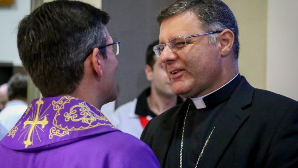 Padre Edson Godoy toma Posse na Paróquia São João Evangelista, em Ibaté
