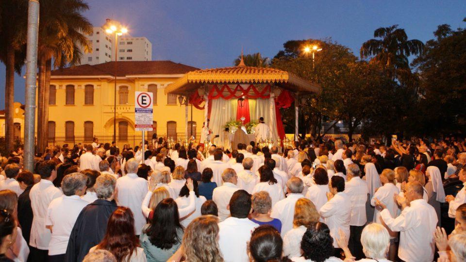 Dom Eduardo Malaspina preside Solenidade de Corpus Christi no Vicariato São Bento