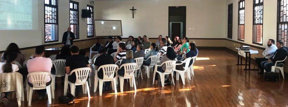 Atendentes Paroquiais do Vicariato São Carlos Borromeu participam de atualização