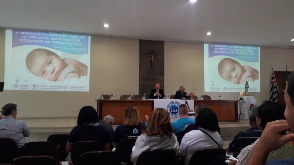 Dom Eduardo Malaspina esteve reunido com membros da Comissão em defesa da vida e da Pastoral Familiar