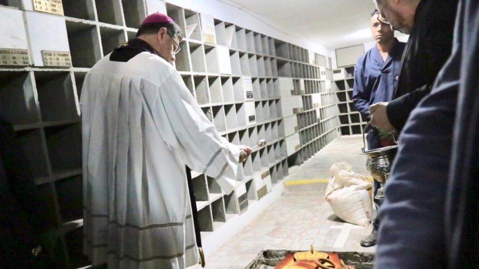 Corpo do Padre Desan é sepultado na Cripta da Matriz de São Bento