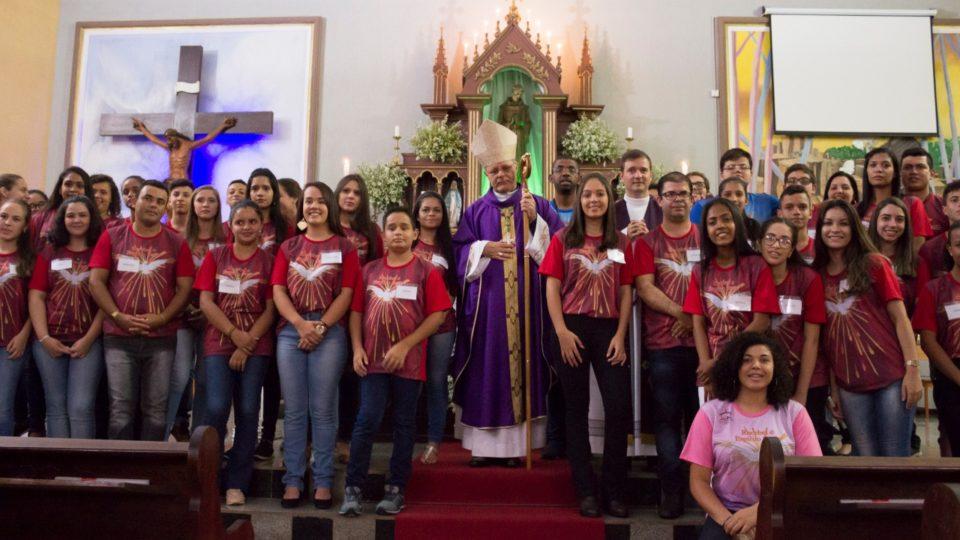 Bispo Diocesano preside Sacramento da Crisma em Brotas