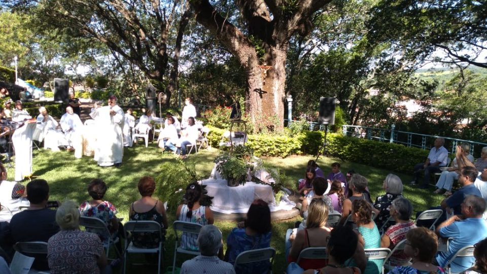 Bispo Diocesano Preside Missa no Morro Bom Jesus