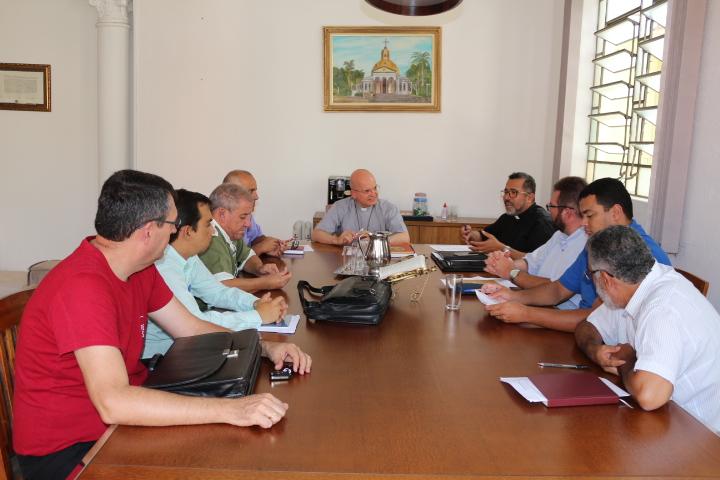 Dom Eduardo Malaspina esteve reunido com Padres responsáveis pelas Missões na Diocese