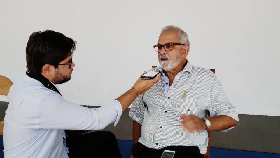 Dr. William Castilho é entrevistado pela imprensa da Diocese