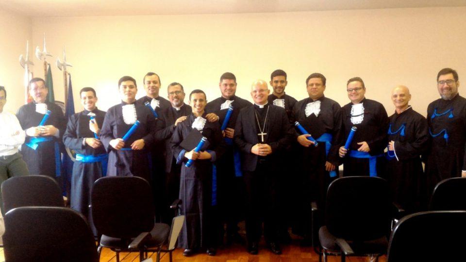 Seminaristas da Diocese Recebem Título de Licenciatura Em Filosofia