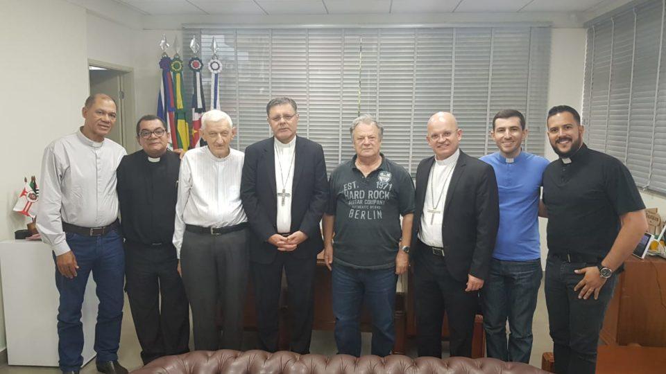 Bispos visitam Prefeitura Municipal de Itápolis